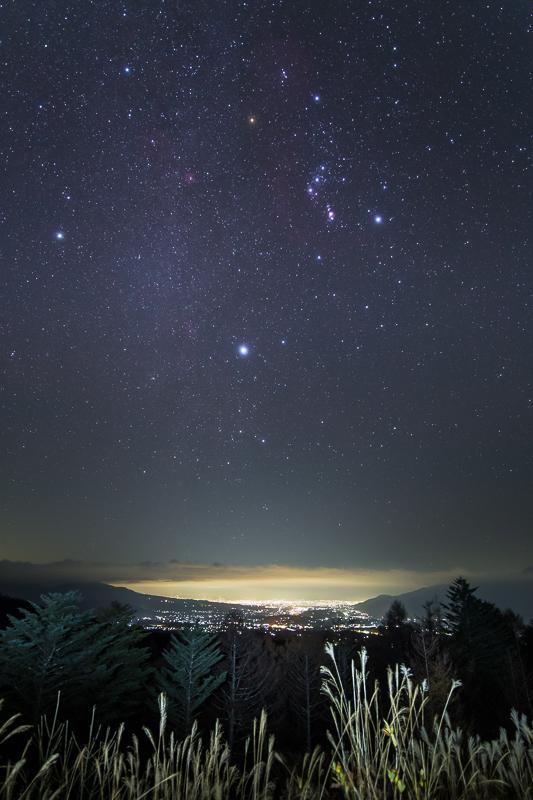 夜景とオリオン座B.jpg