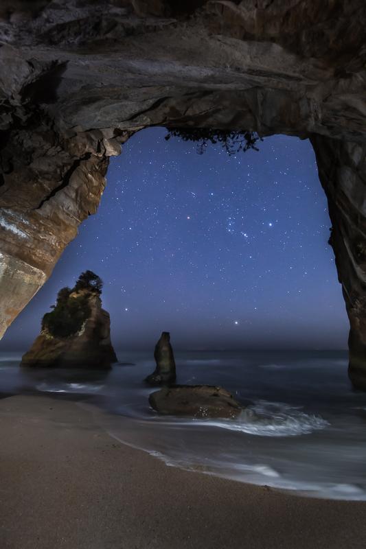 洞窟から見上げるオリオン3.jpg