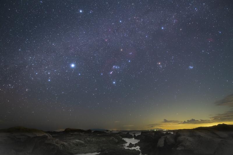 西の空に沈むオリオン座B.jpg